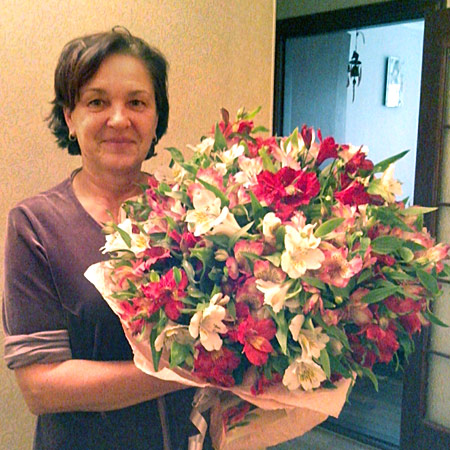 Send flowers to Nikolaev, Mykolaivs`ka obl., Ukraine